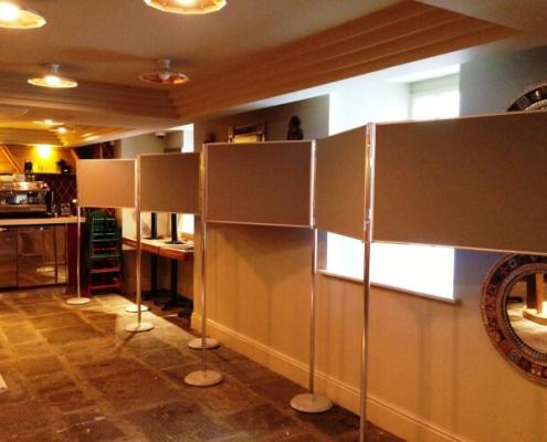 900mm x 600mm - Zig Zag Display Board Hire
