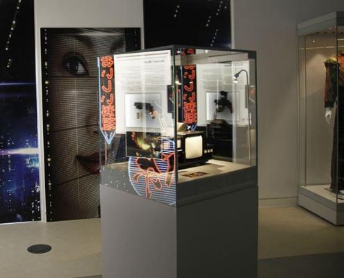 Mannequin display case for Sir Ridley Scott exhibition 4