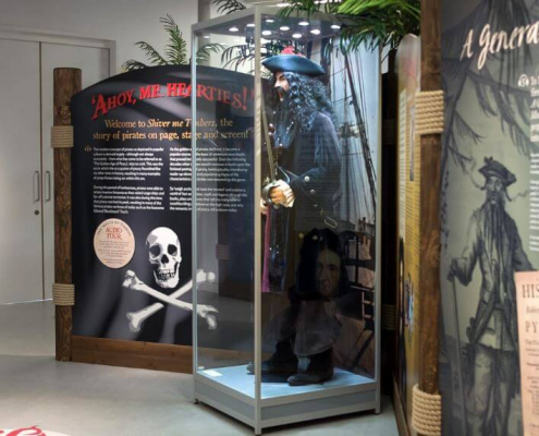 Mannequin display case - Shiver Me Timbers exhibition 3